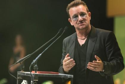 U2 主唱針對外界聲浪也予以回應,蘋果為了平息眾怒也提供移除連結。