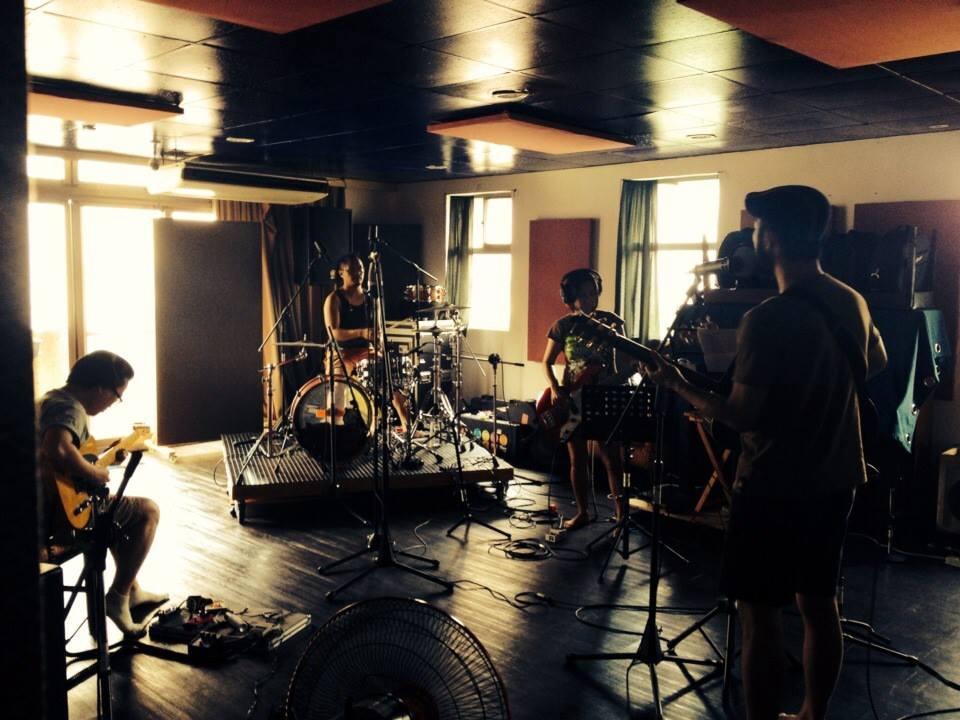 八十八顆芭樂籽的最新作品《寂寞國的威士忌人》也是在 Soundkiss 錄音製作。