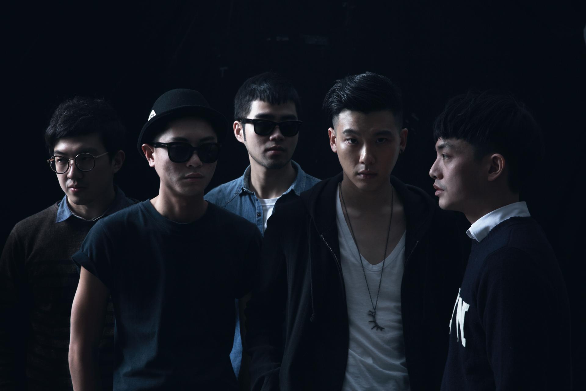 南瓜妮歌迷俱樂部團員左起:吉他李孝祖、鼓組林一根、貝斯弘禮、主唱柯家洋、吉他小青蛙