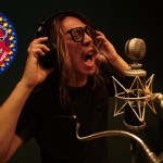 達人聽歌:朱頭皮〈唱!歌!Sing! Song!〉打破界線 揉合搖滾元素、原住民口簧琴演奏