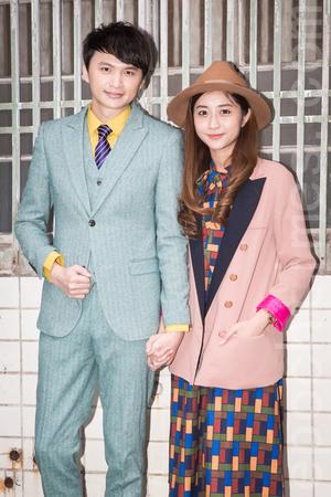 圖五:陳建瑋去年底完婚,新專輯服裝造型交由老婆黃舒蔓(圖右)一手打造。