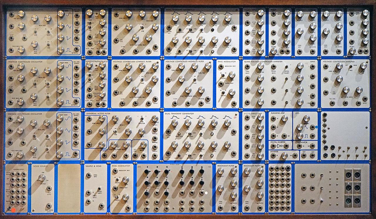 巨大的 E-mu Modular System 面板細節。