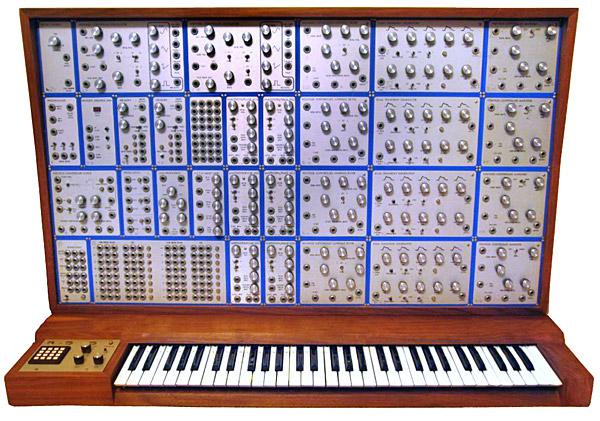 巨大的 Emu Modular System(Via Vintagesynth)