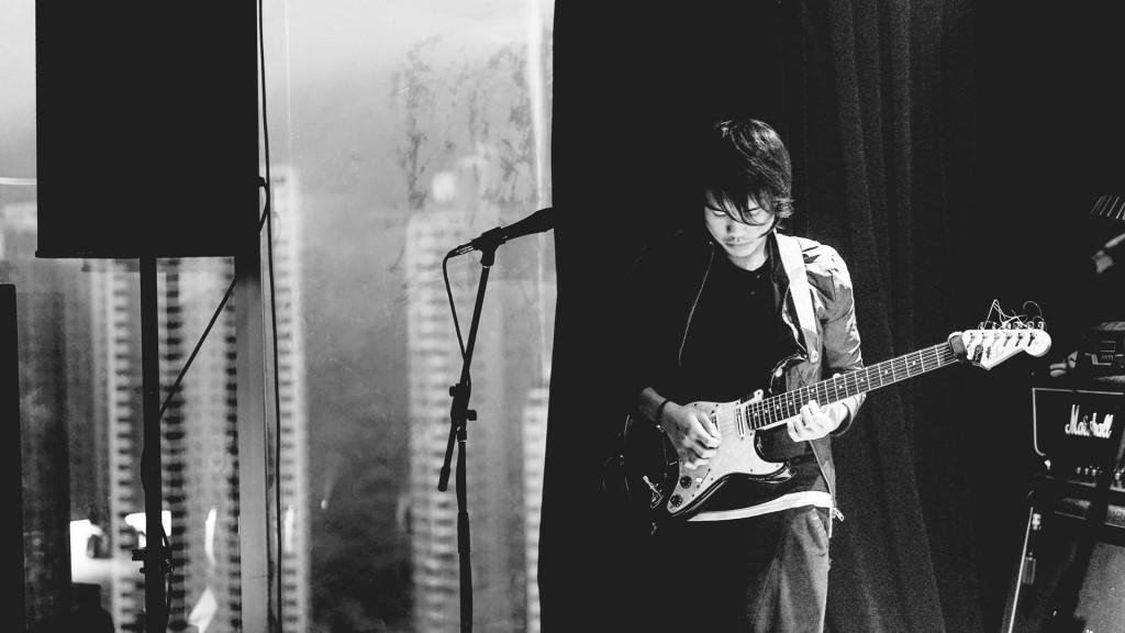 吉他手Roger