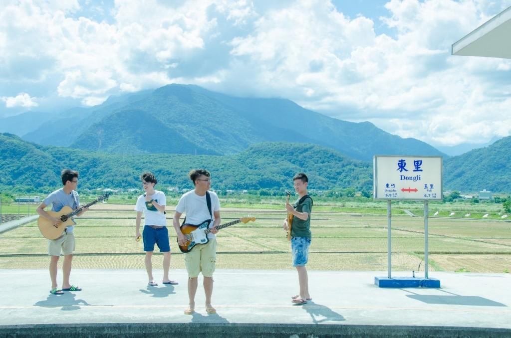 椅子Chairs'釋出新MV〈後山舞曲〉花絮@東里火車站。_02