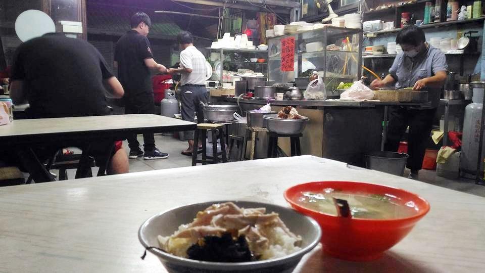 隱藏在巷子裡面的雞肉飯店 南門桃城.半夜三點開到下午兩點
