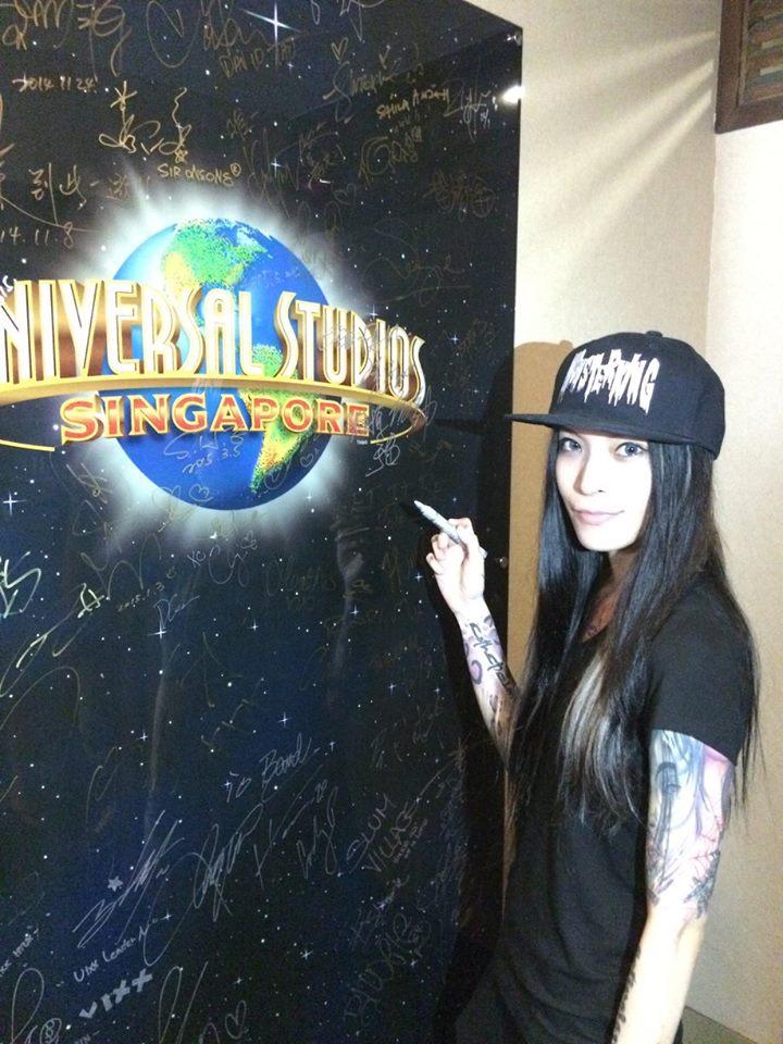 新加坡環球影城名人牆簽名