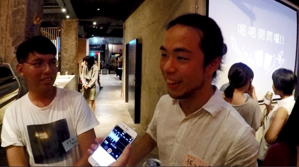 左:椅子樂團詠靖,右:表示 shot 濃度不錯的瑪啡因士銘