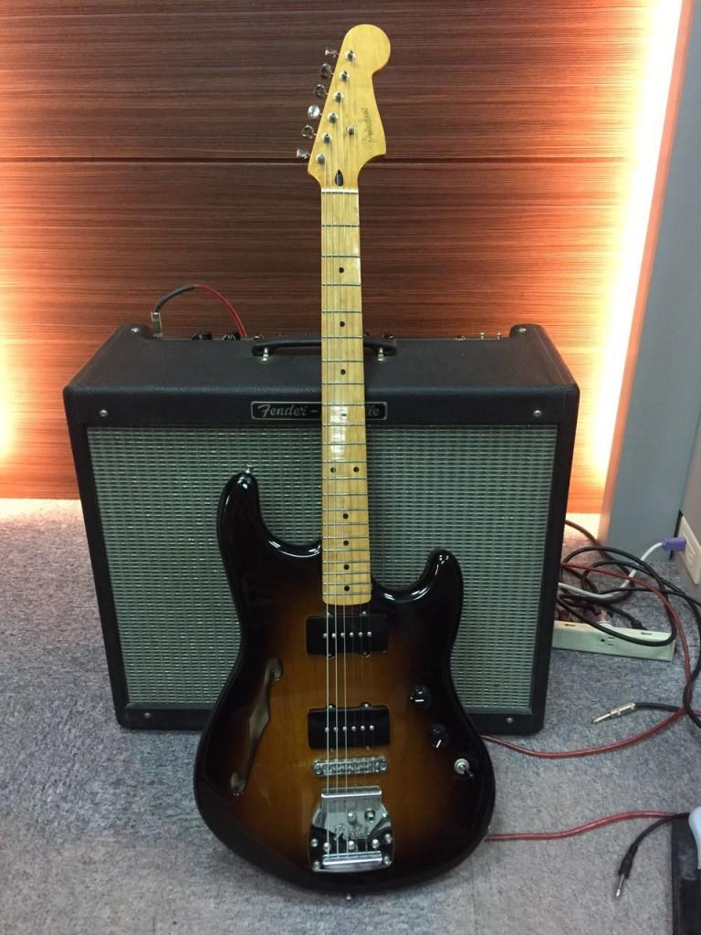 Fender Pawn Shop Offset Special(Strat 頭、Jazzmaster身