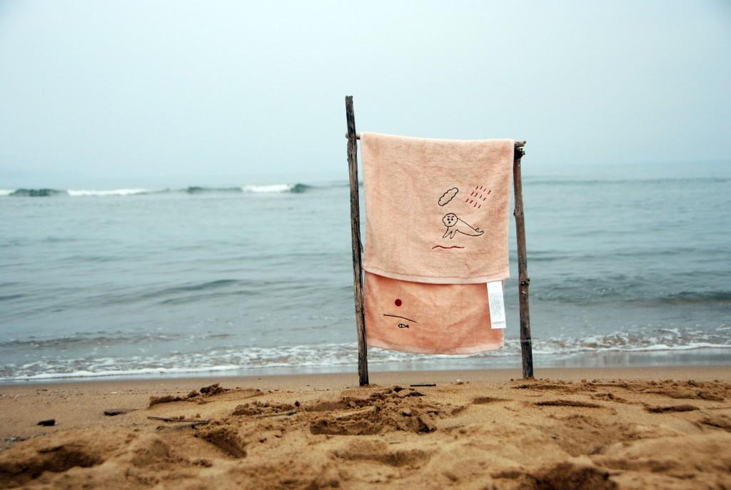 「比司吉」的有機棉刺繡毛巾。