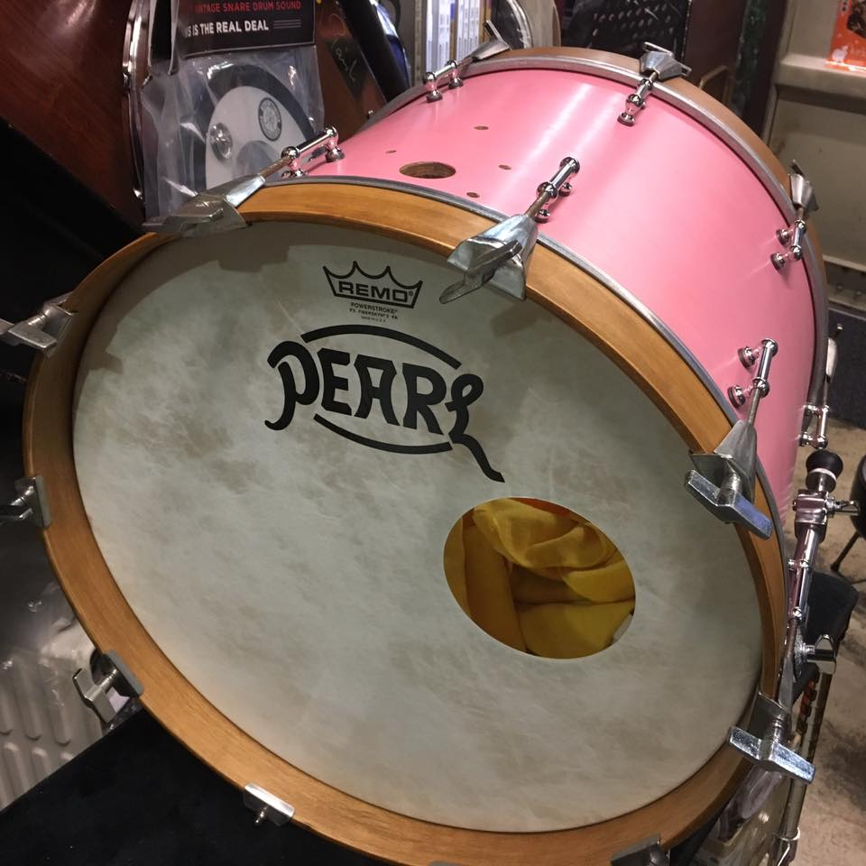 早在不久前就垂涎已久的 Pearl Drums Vintage Logo(感謝吳品億同學割愛)