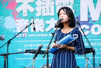 張聲婕於新光三越不插電mini concert(攝影:布朗)