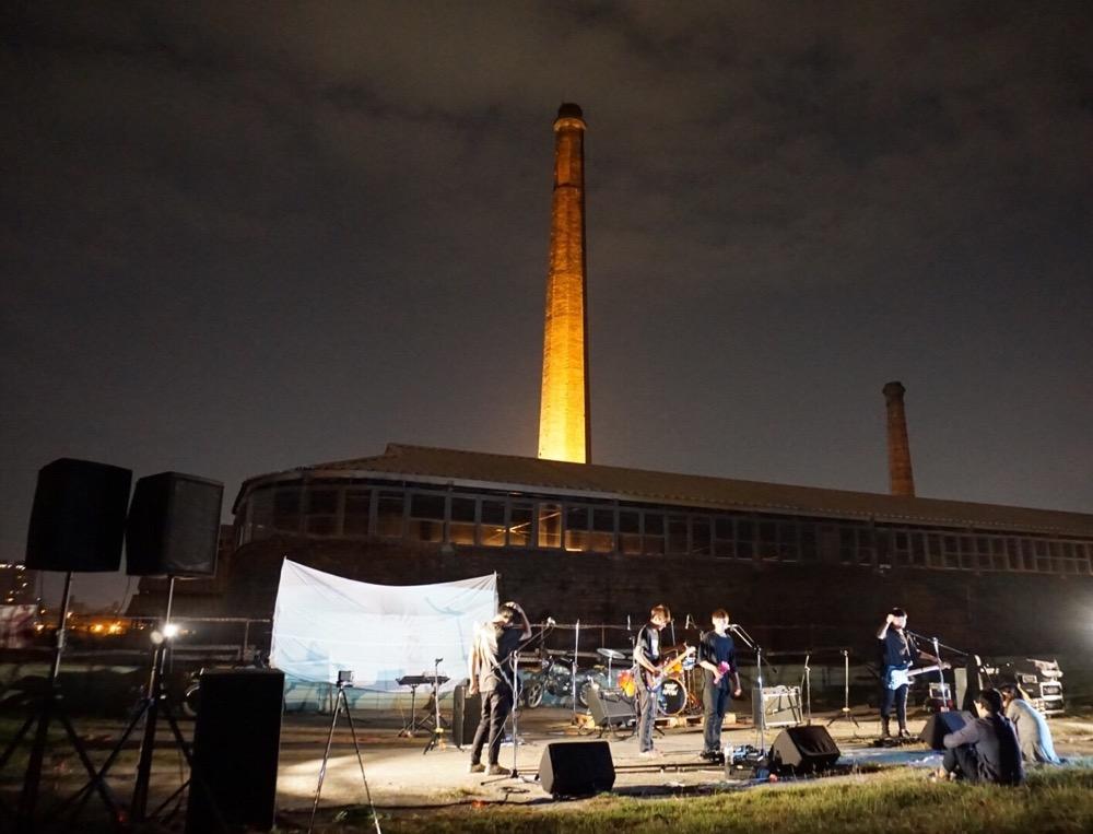 【圖說1】煙雨飄渺樂團發行單曲〈煙囪Chimney〉在磚窯廠舉辦專場