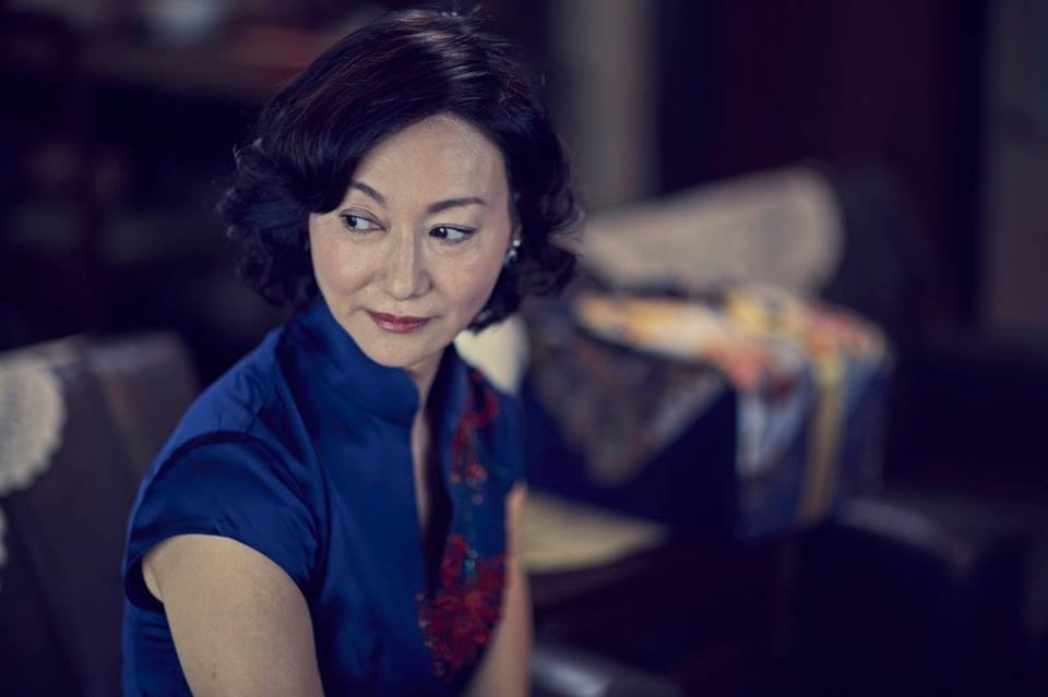 劇中棠夫人是位以愛為名,進而利用、操控女兒的角色。(via)