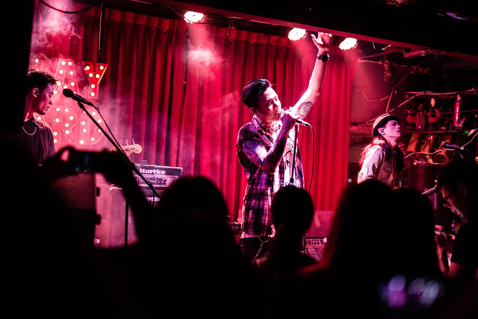 Trash 在週五晚上在 PlayYard 的「台灣之夜」表演