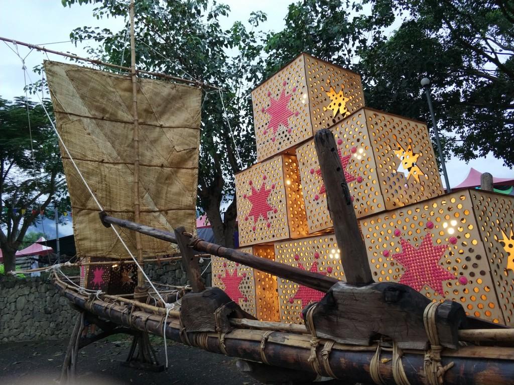 由Laway(賴進龍)與Adeng(柳哲光)遵循古法打造的古帆船,第二天還有開設工作坊講述造船與阿美族航海歷史。