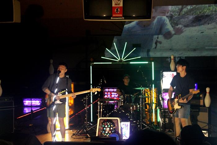 (左起)貝斯手薑薑、鼓手宗翰、吉他手維尼