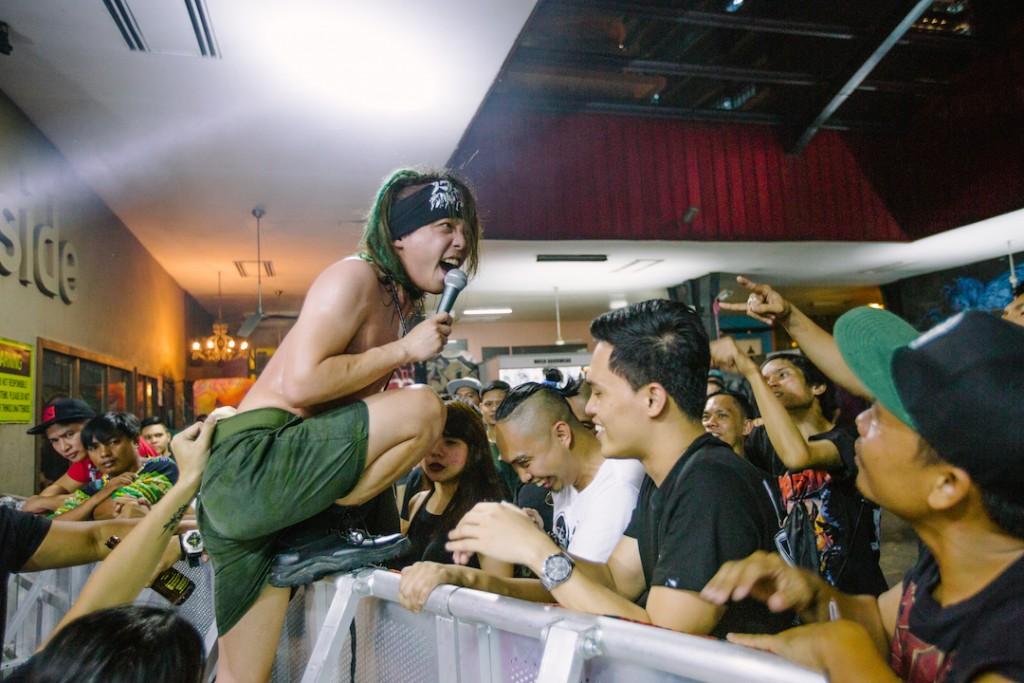 Pulp Summer Slam 前日台灣之夜演出,火燒島主唱 Louie 與觀眾互動熱絡,深受愛戴。