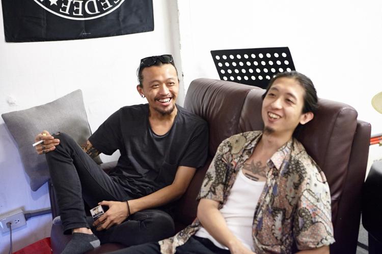 郭力瑋(左)與謝碩元(右)之前皆為樂團「罷黜者」的成員。