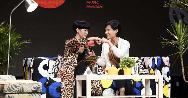 6-2金音獎記者會評審團主席陳珊妮與文化部長鄭麗君s (1)