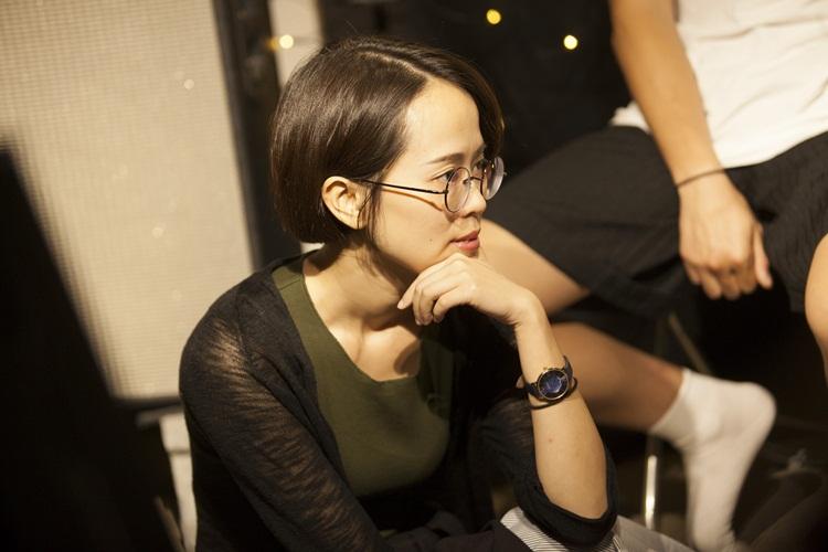 《OST》是鼓手佩蓬在玩團生涯中首次參與錄音的專輯,她一再表示,能與Zen合作非常榮幸,自己也從中學習了很多,經驗值大提升。