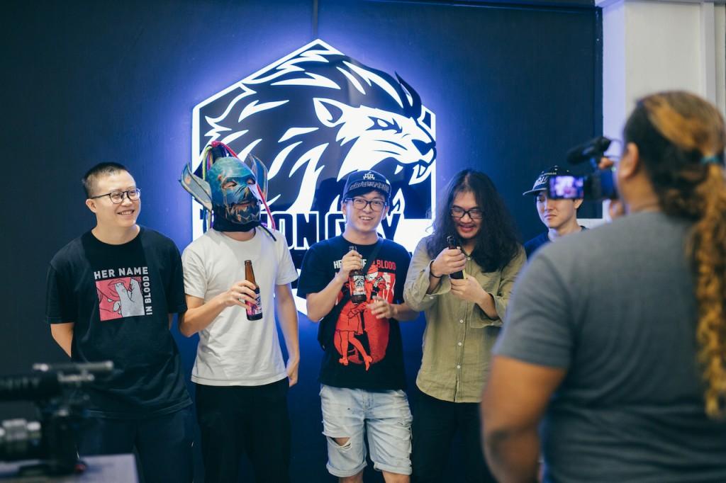 血肉 Boys 受邀前往 TBK 工作室,試喝新推出的品牌啤酒。(Photo Credit:堯帝)