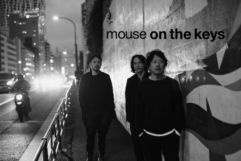 日本後搖勁旅 toe 自有廠牌 Machu Picchu INDUSTRIAS 旗下最具話題樂團 Mouse on the keys,以兩台鋼琴和一套鼓完美融合數字搖滾、當代爵士、電子節拍,是一組充滿畫面感、優雅瘋狂的後搖團三人組合。