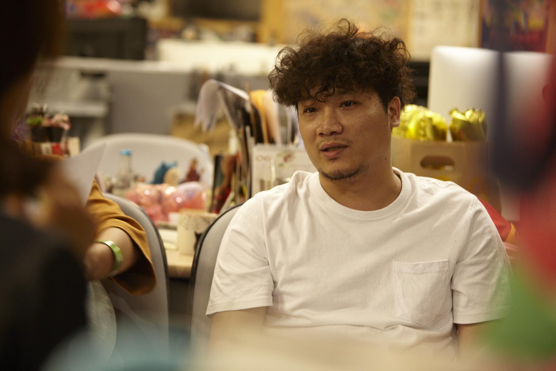 阿峰是大正的高中學弟,兩人雖然平時講話都很白爛,卻也常關心彼此的生活。