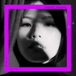 柯泯薰歷時三年發行《畫話》 新曲〈自戀的自虐〉由李格弟作詞、姚國禎執導MV